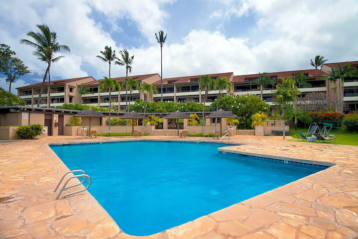 Kaanapali-Royal-Vacation-Rentals-Maui-KRO-3-Pool.jpg