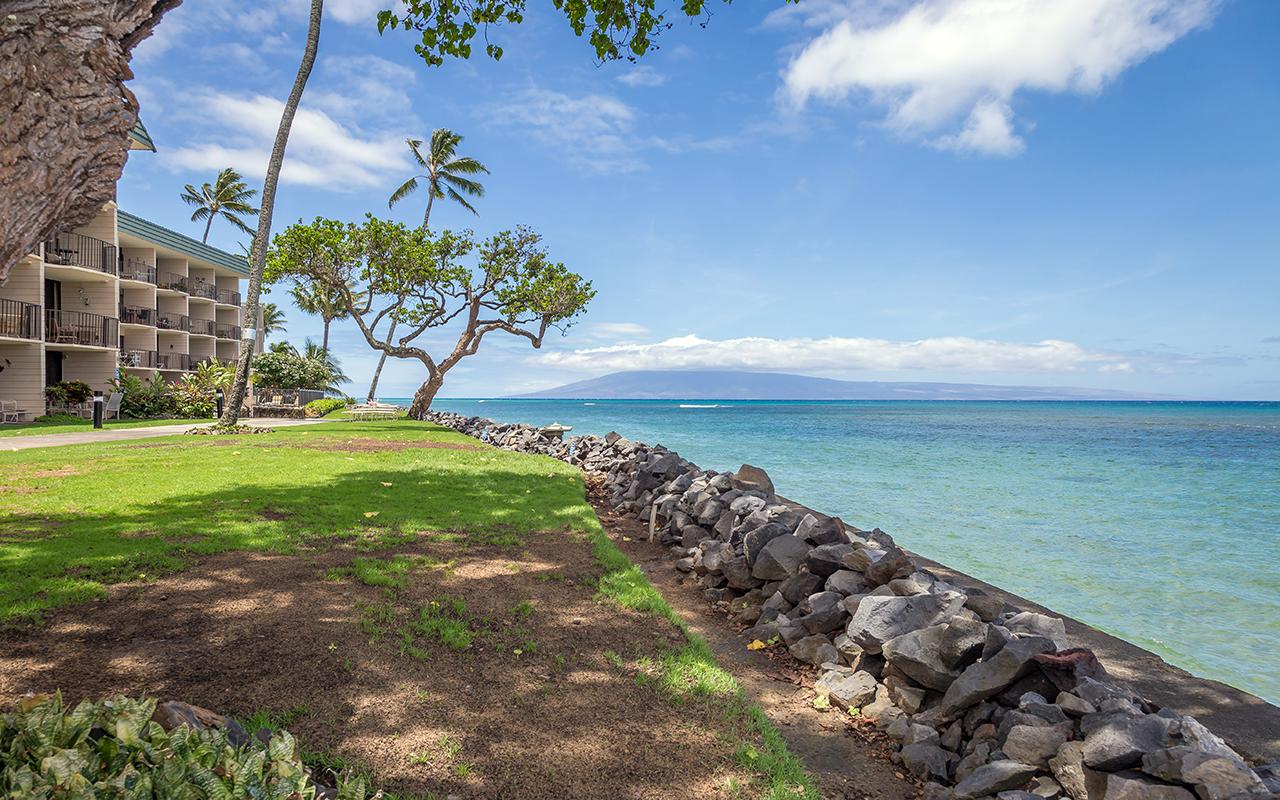 Kahana-Reef-Maui-Vacation-Condo-Rentals-Prop-1.jpg