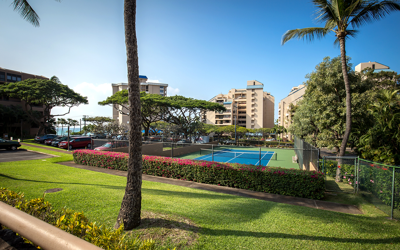 Kahana-Villa-Maui-Condos-5-Tennis.jpg
