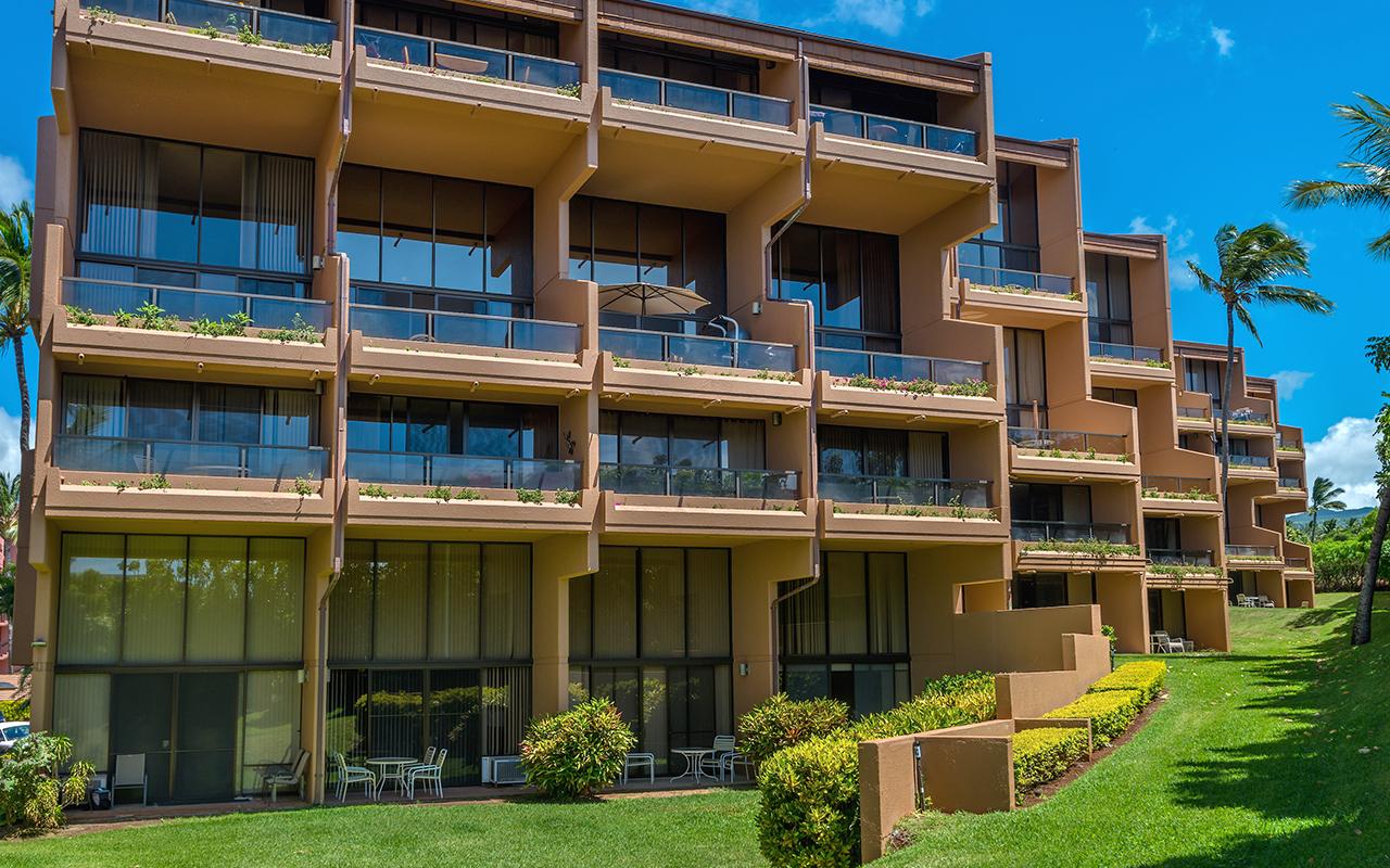 Kahana-Villa-Maui-Condos-10-Resort.jpg