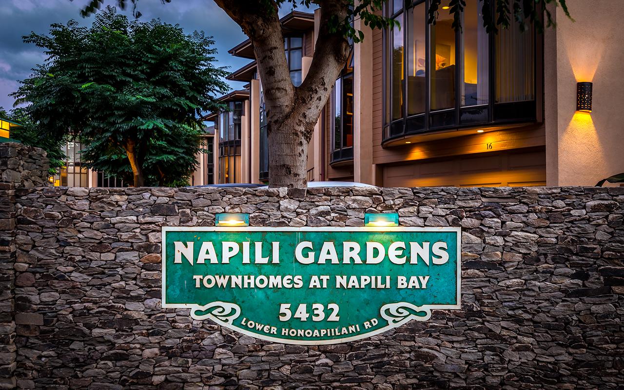 Napili-Gardens-Maui-Condo-Rentals-P1-Sign.jpg