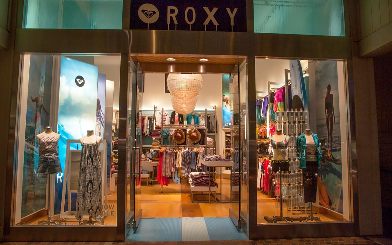 Whaler-Kaanapali-Maui-Vacation-Condo-Rentals-7-Shops-Roxy.jpg