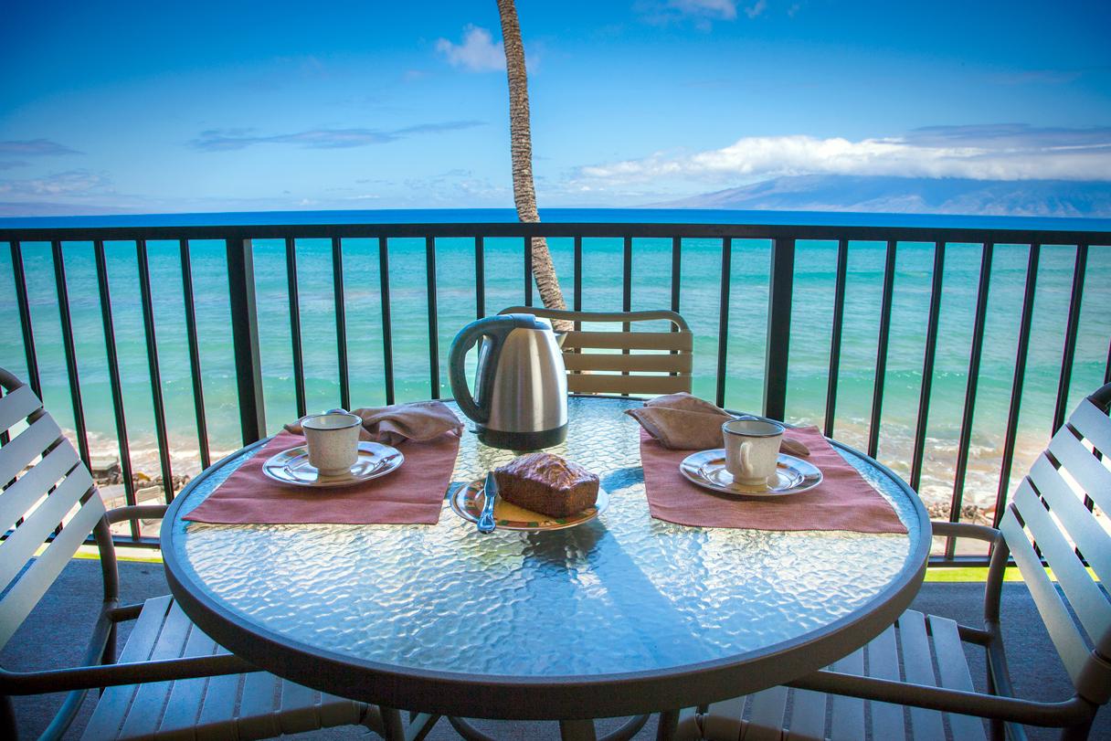 Honokowai-Vacation-Rental-Condo-Kaleialoha-KL308-1-lanai.jpg