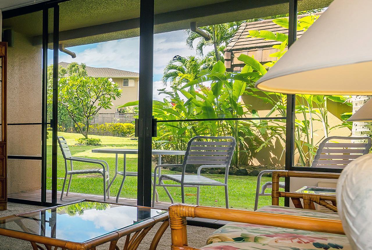 kahana-villas-vacation-club-resort-maui-ve108-lanai-1.jpg