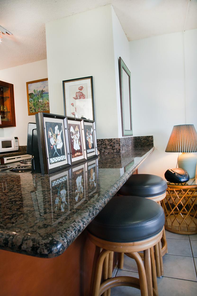 Maalaea-Banyans-Bay-Resorts-Maui-Condos-MB111-kitchen-1.jpg