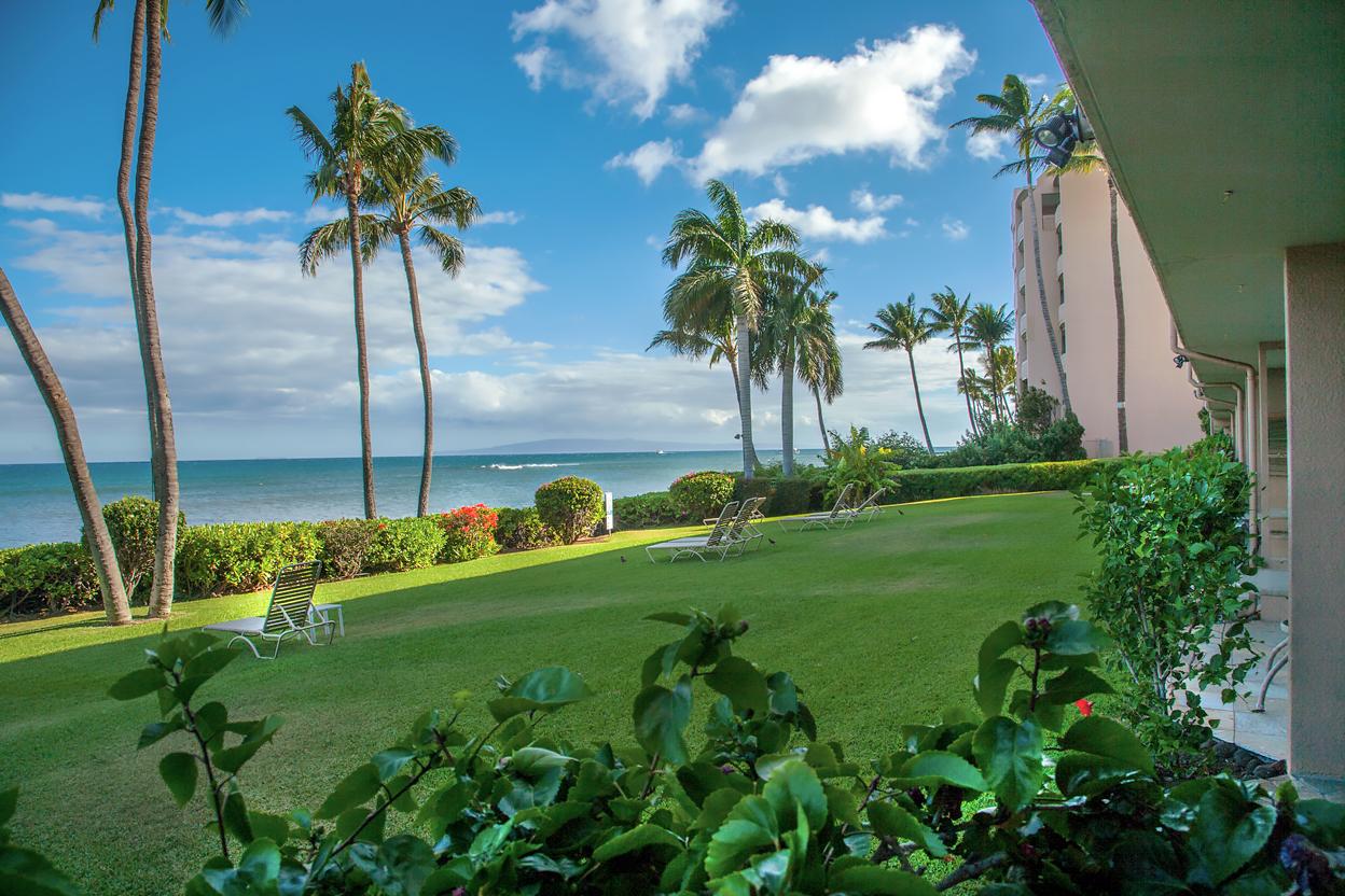 Maalaea-Banyans-Bay-Resorts-Maui-Condos-MB111-lanai-view-2.jpg