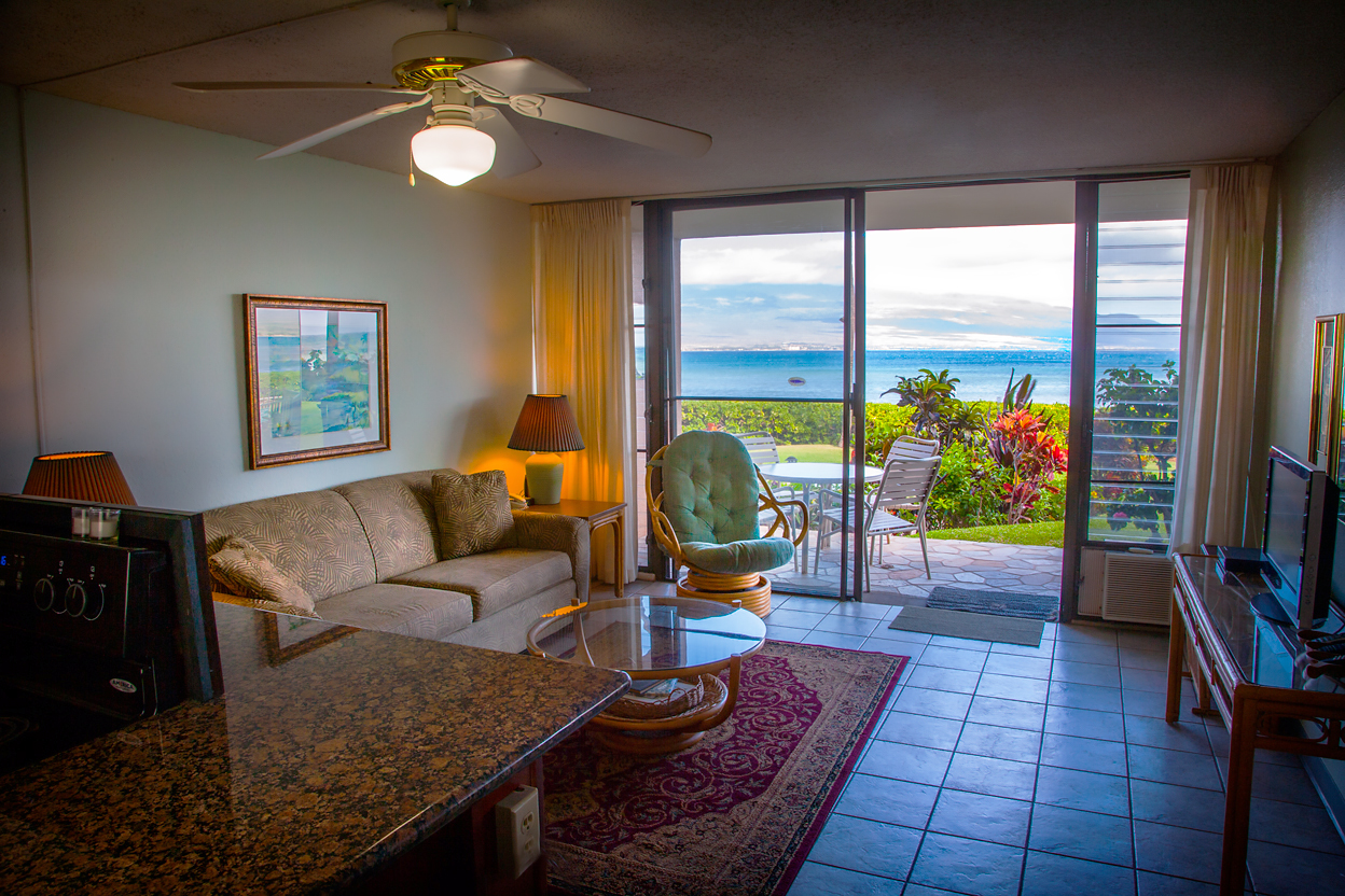 Maalaea-Banyans-Bay-Resorts-Maui-Condos-MB111-living-1.jpg