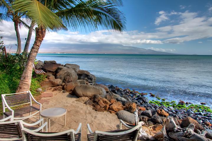 Maalaea-Banyans-Condo-Rentals-Maui-Beach-1.jpg