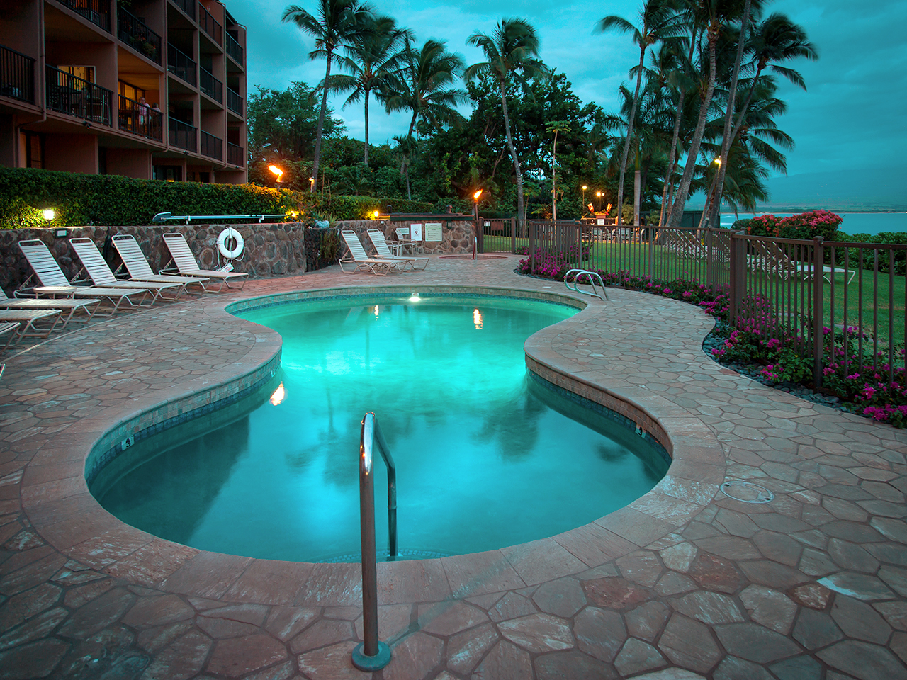 Maalaea-Banyans-Condo-Rentals-Maui-Pool-3.jpg