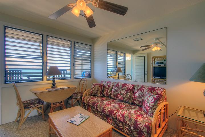 Napili-Bay-Resorts-Maui-Condo-NB202-living-1.jpg