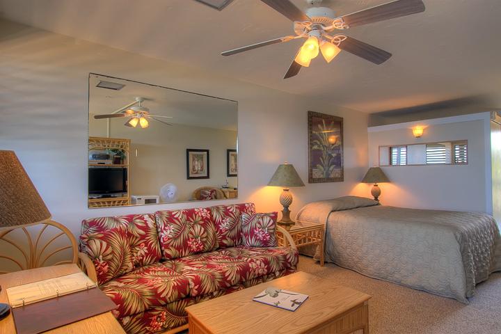 Napili-Bay-Resorts-Maui-Condo-NB202-living-3.jpg