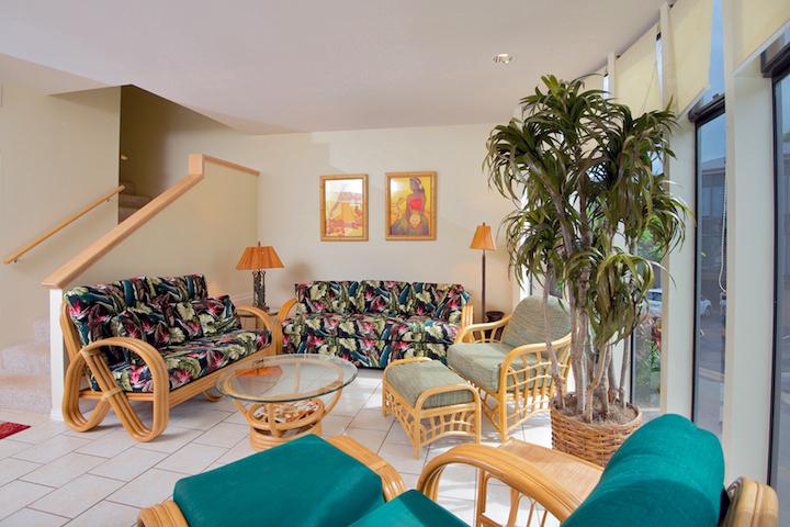 Napili-Gardens-Maui-Resort-Condo-NG1-living-1.jpg