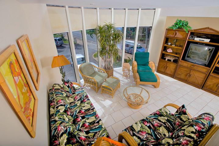 Napili-Gardens-Maui-Resort-Condo-NG1-living-2.jpg