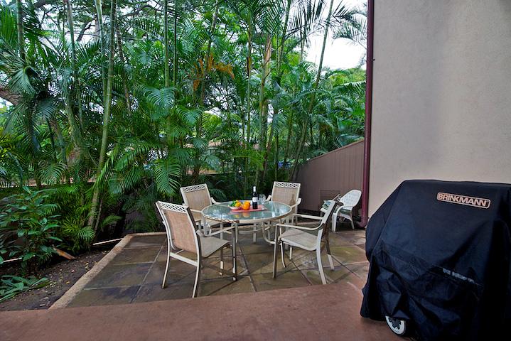 Napili-Gardens-Maui-Resort-Condo-NG1-patio-1.jpg