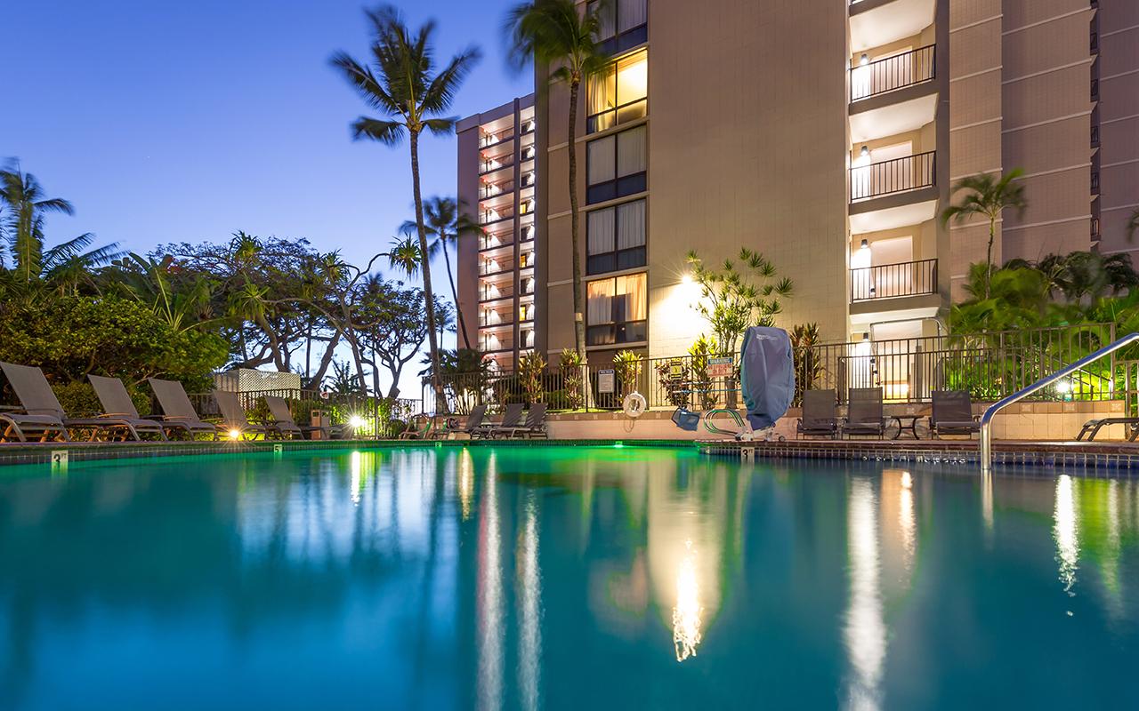 Valley-Isle-Resort-Maui-Condominium-Rentals-VLI0403-pool-1.jpg