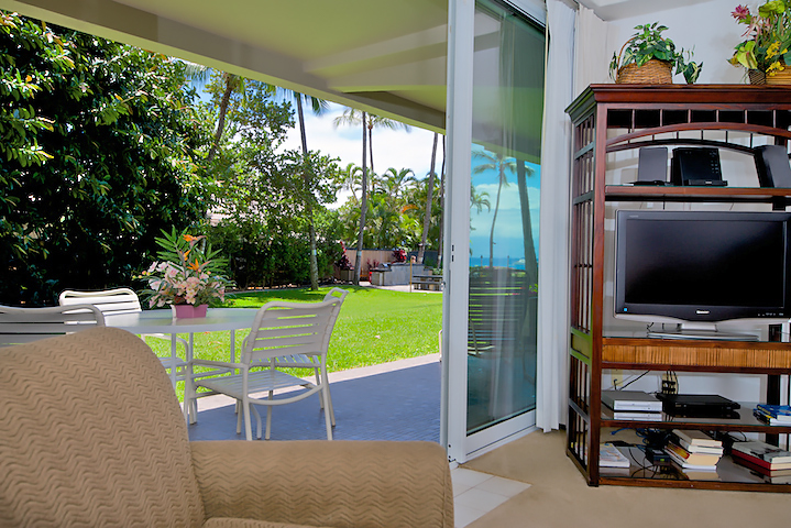 The-Whalers-Maui-Condos-Kaanapali-WH159-living-4.jpg