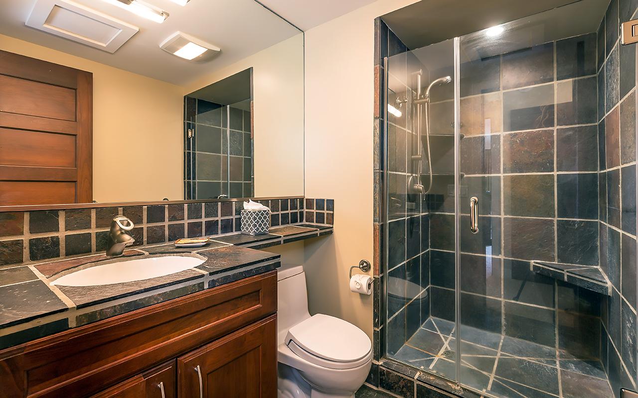 The-Whalers-Maui-Condos-Kaanapali-WH523-Guest-Bathroom.jpg