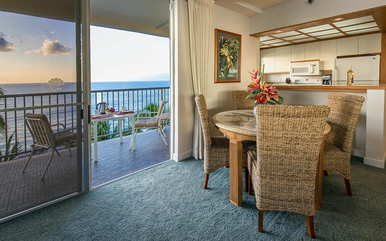 Whaler-Condos-Kaanapali-Beach-Maui-WH701-Dining-Lanai-1.jpg