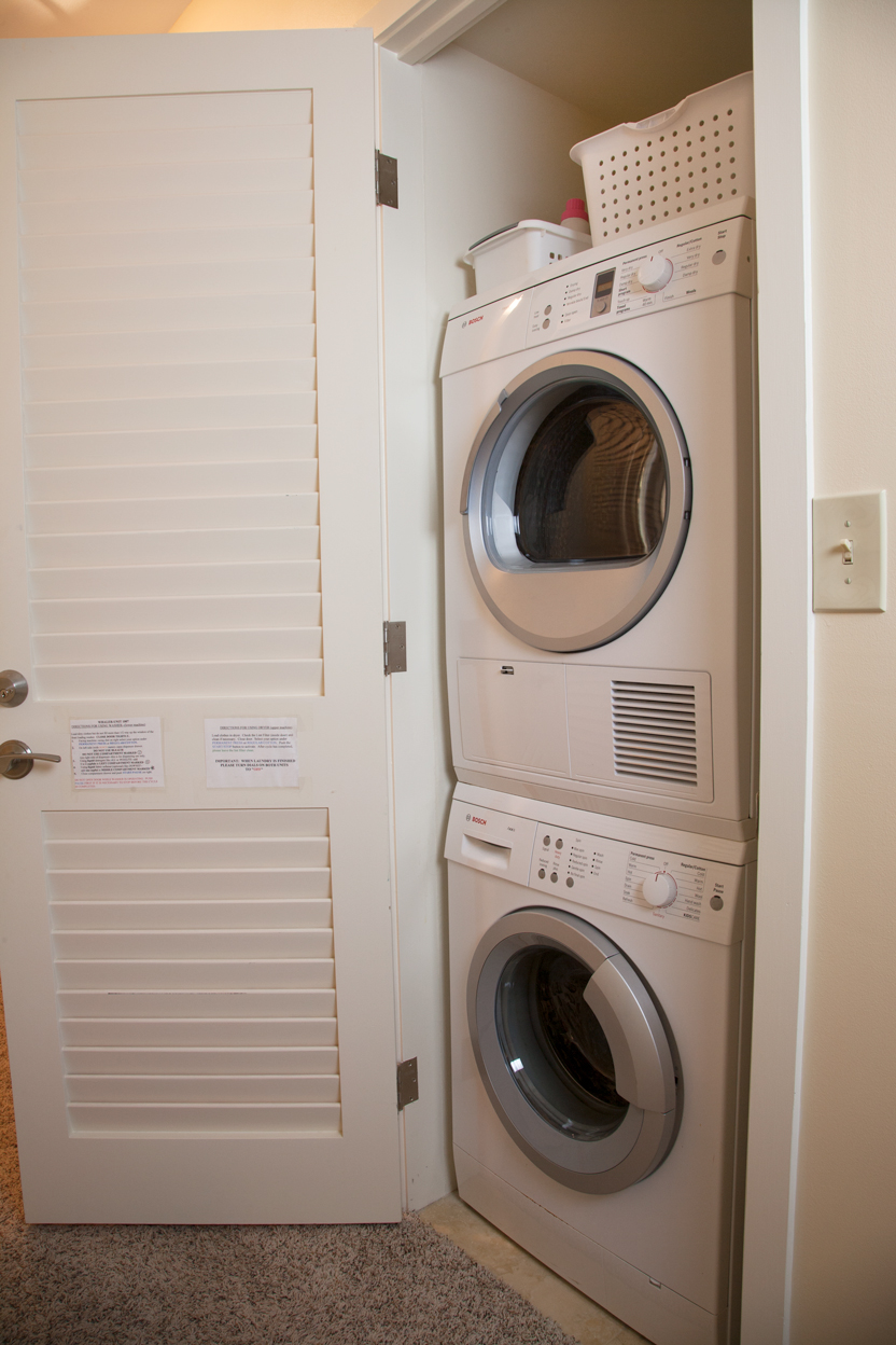 The-Whaler-on-Kaanapali-Beach-Rentals-Maui-WH1007-washer-dryer.jpg