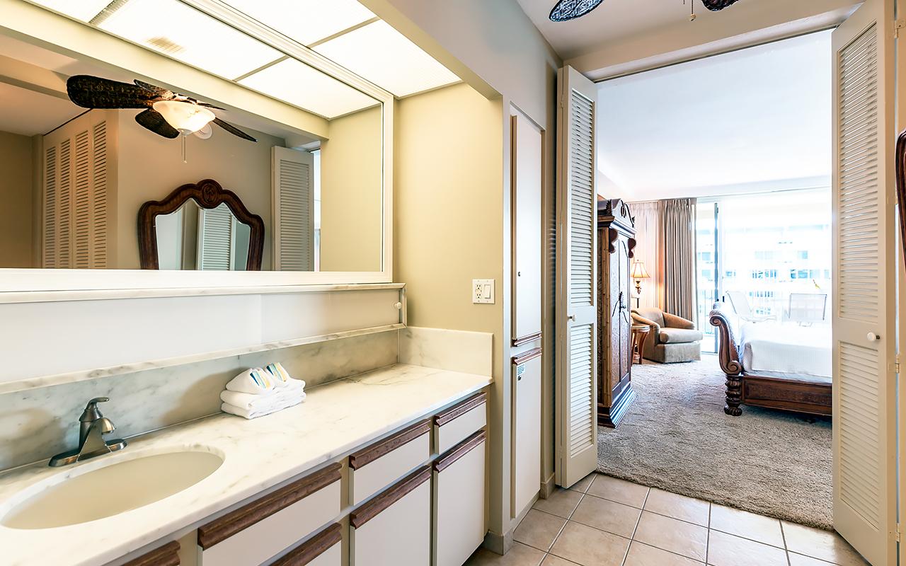 The-Whaler-on-Kaanapali-Beach-Rentals-Maui-WH1056-Bathroom-C.jpg