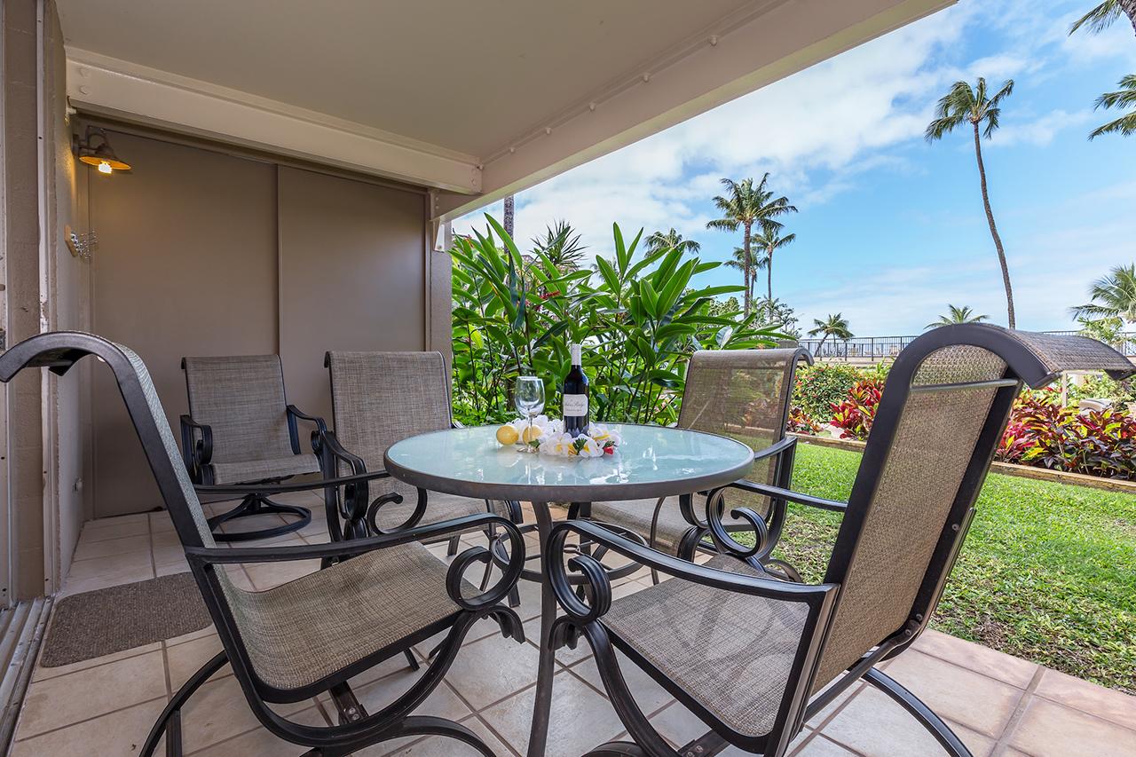Honokowai-Vacation-Rentals-Maui-Hale-Ono-Loa-115-Lanai-4.jpg