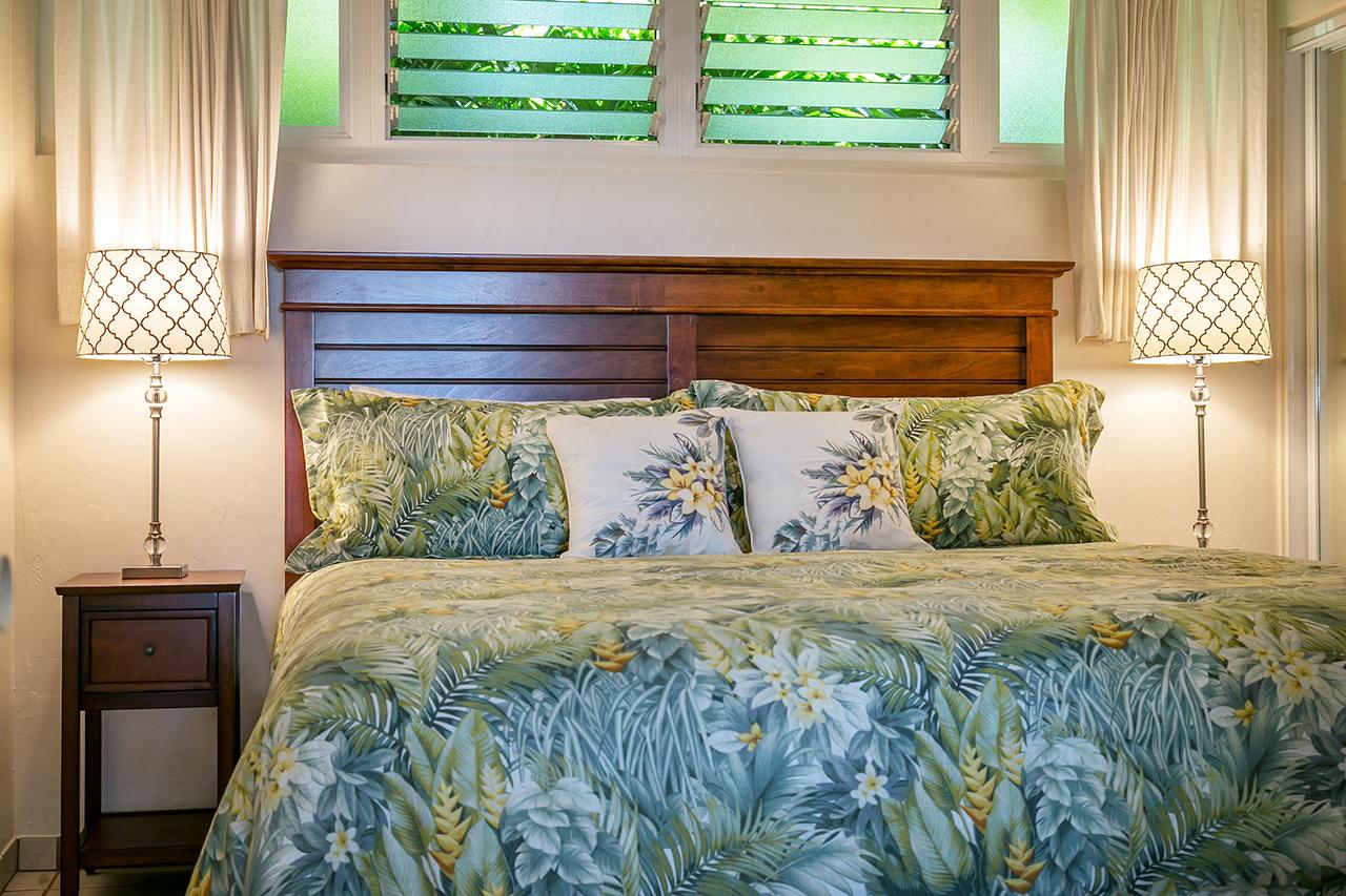 Honokowai-Vacation-Rentals-Maui-Hale-Ono-Loa-115-MBed-1.jpg