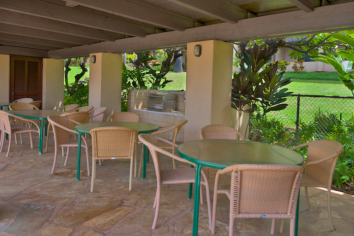 Outdoor dining area.jpg