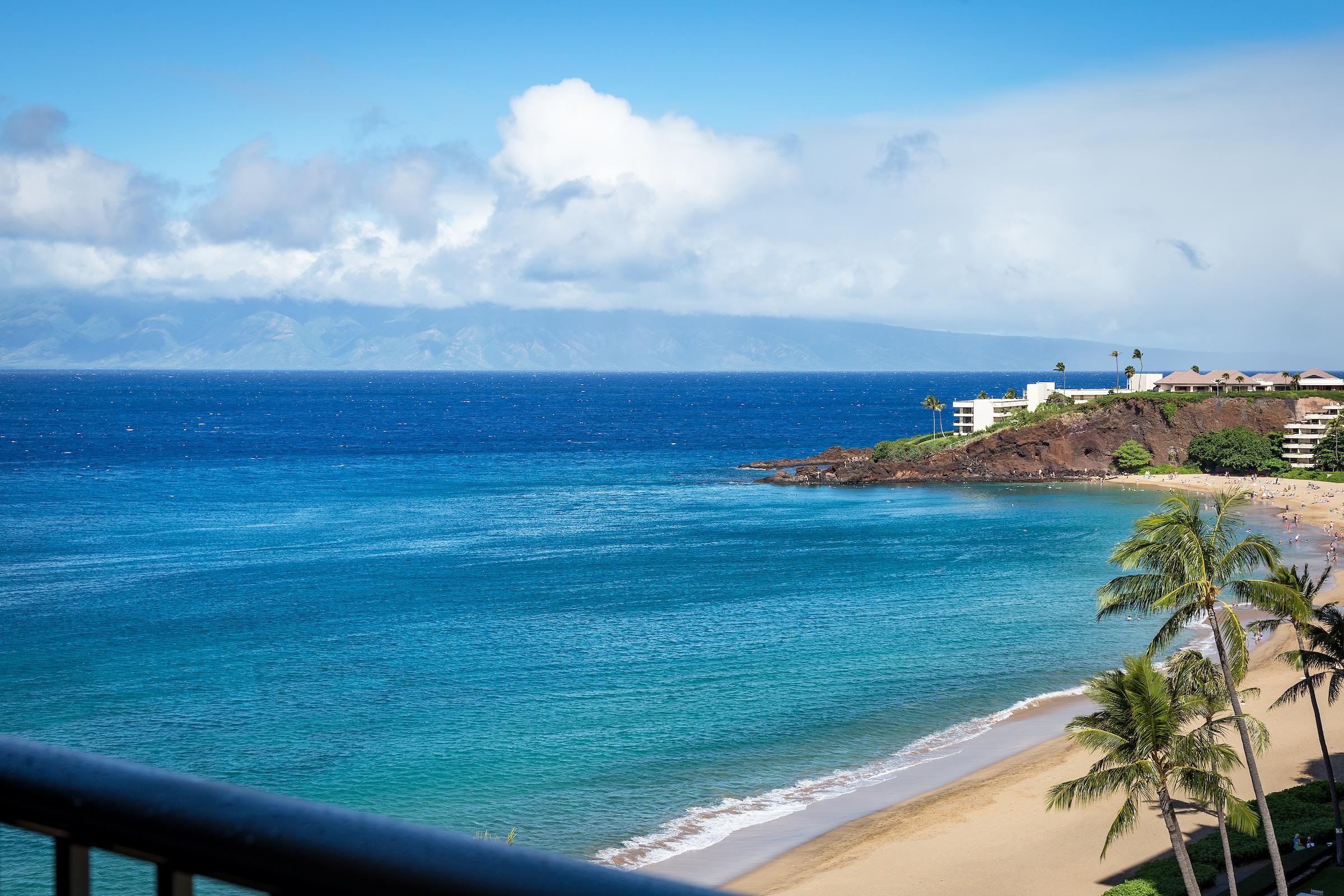 the-whaler-on-kaanapali-beach-condos-wh1056-20.jpg