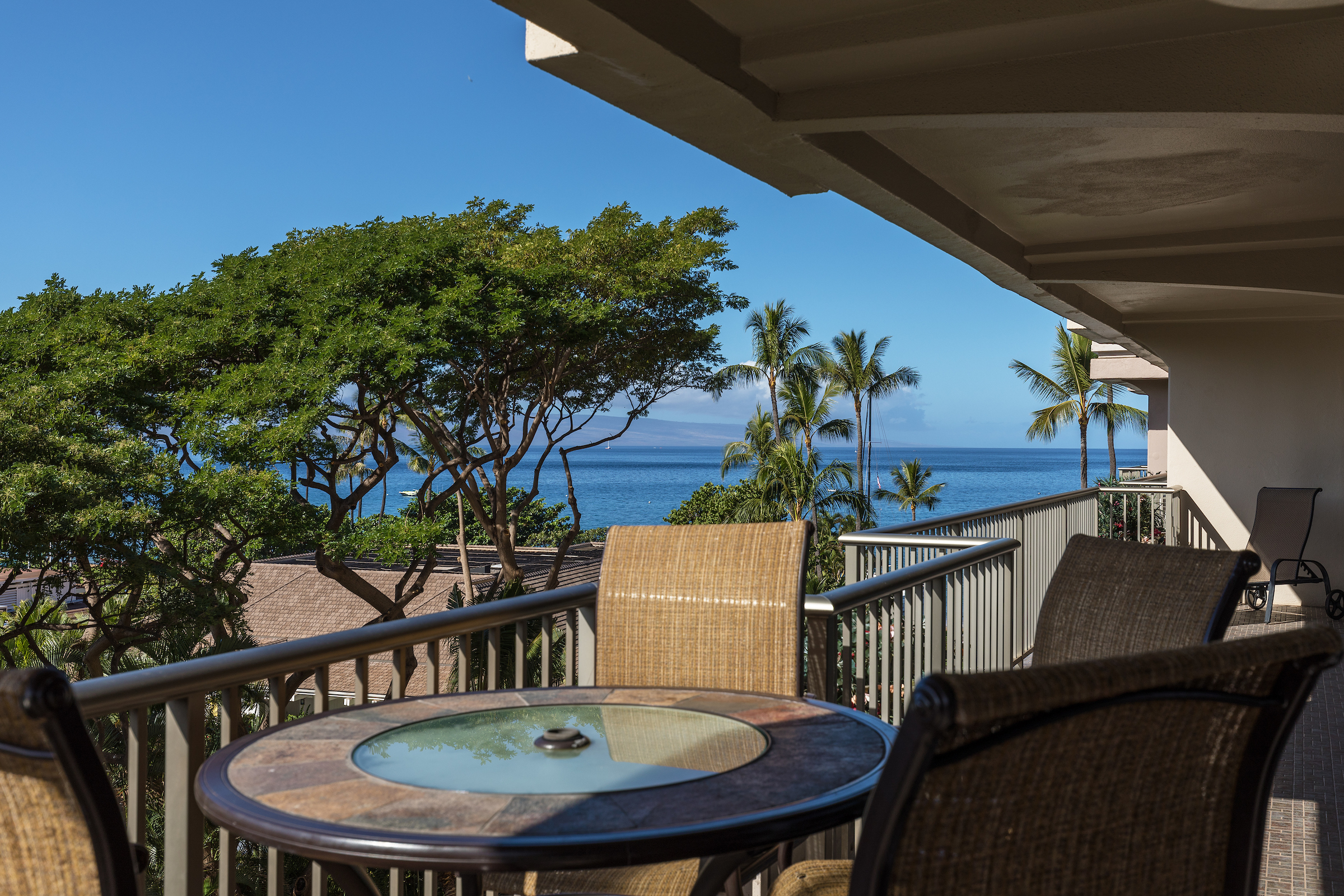The-Whaler-on-Kaanapali-Beach-Maui-Condos-WH573-10.jpg