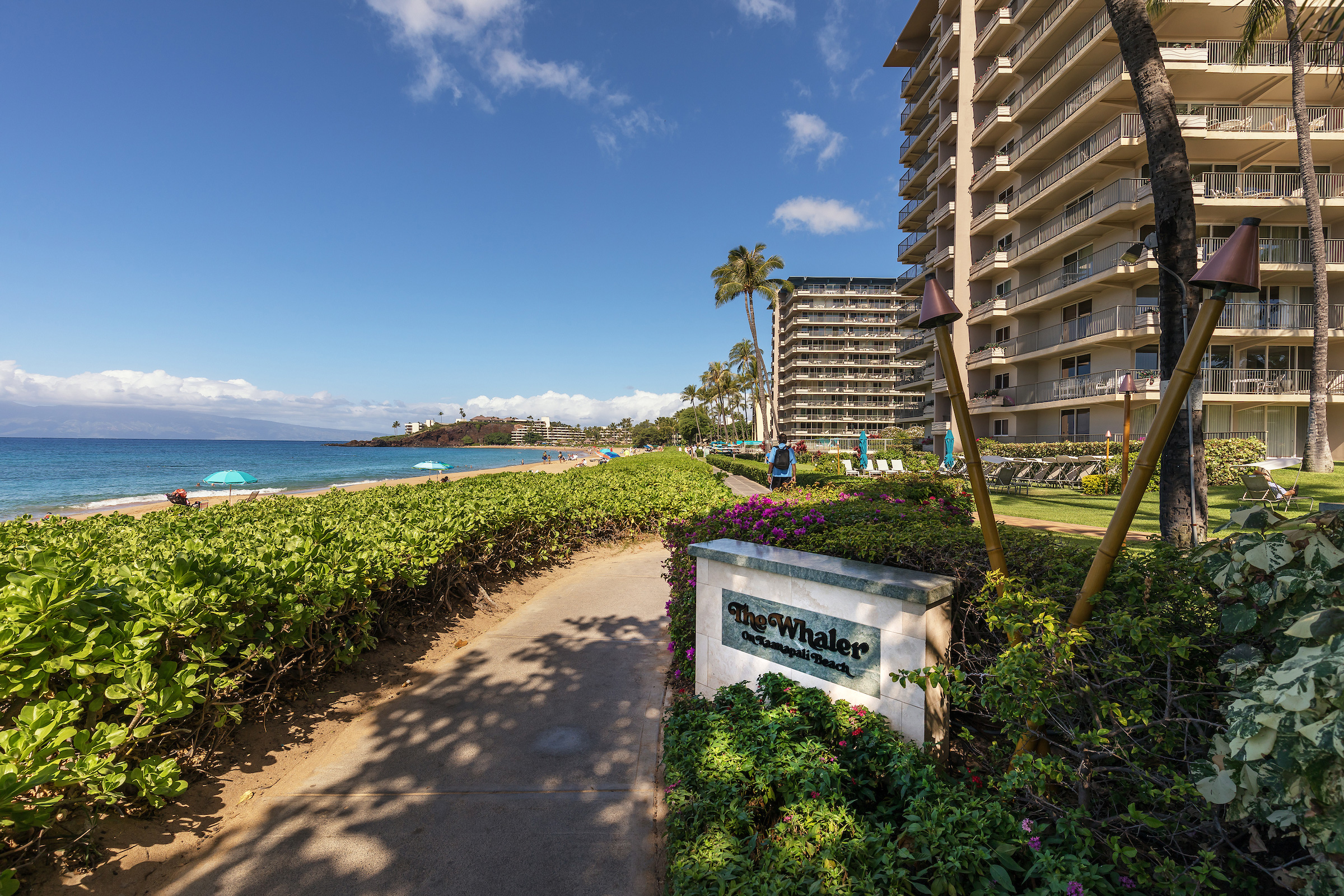 The-Whalers-Kaanapali-Condos-01-Beachwalk.jpg