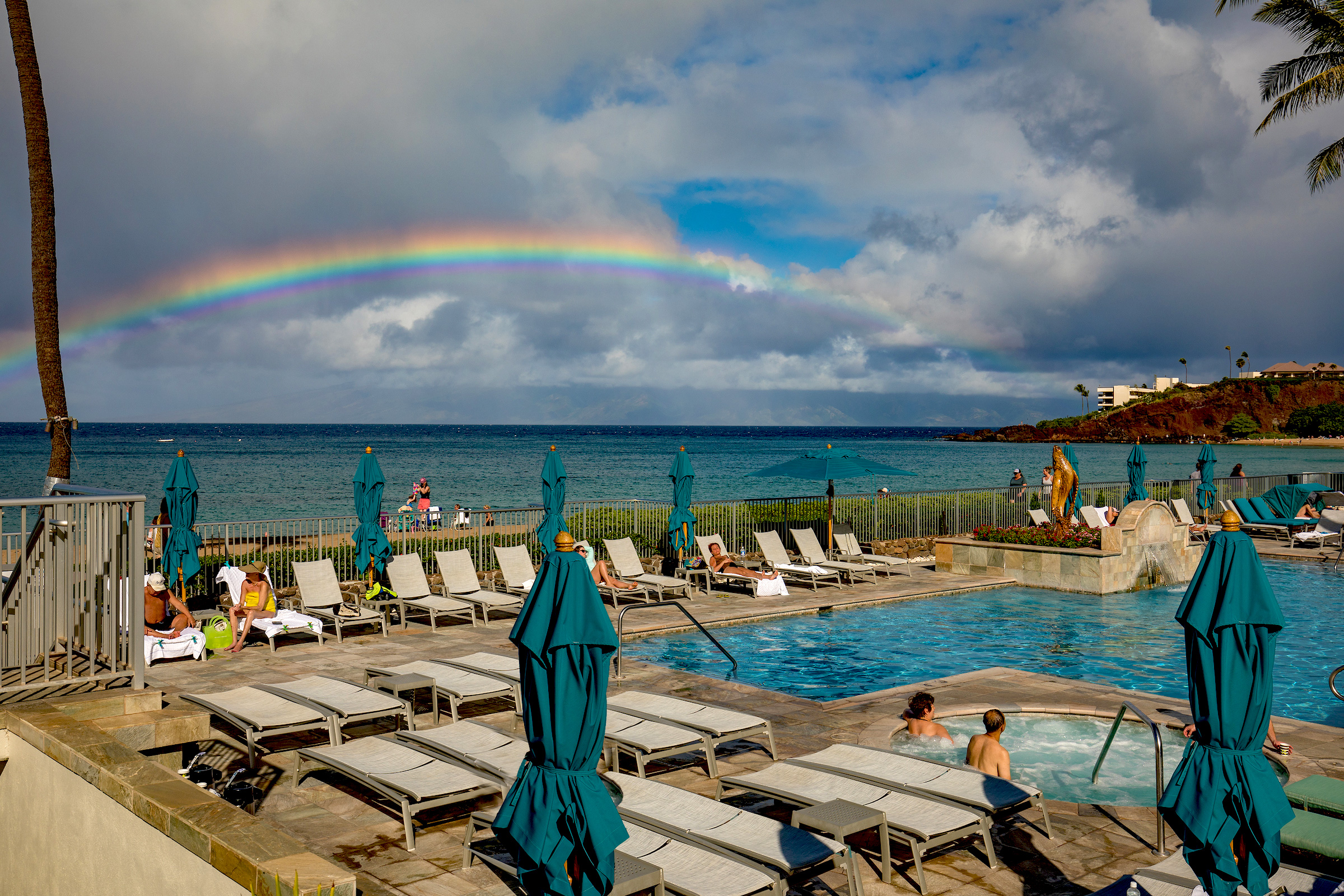 The-Whalers-Kaanapali-Condos-03-Pool-Rainbow.jpg
