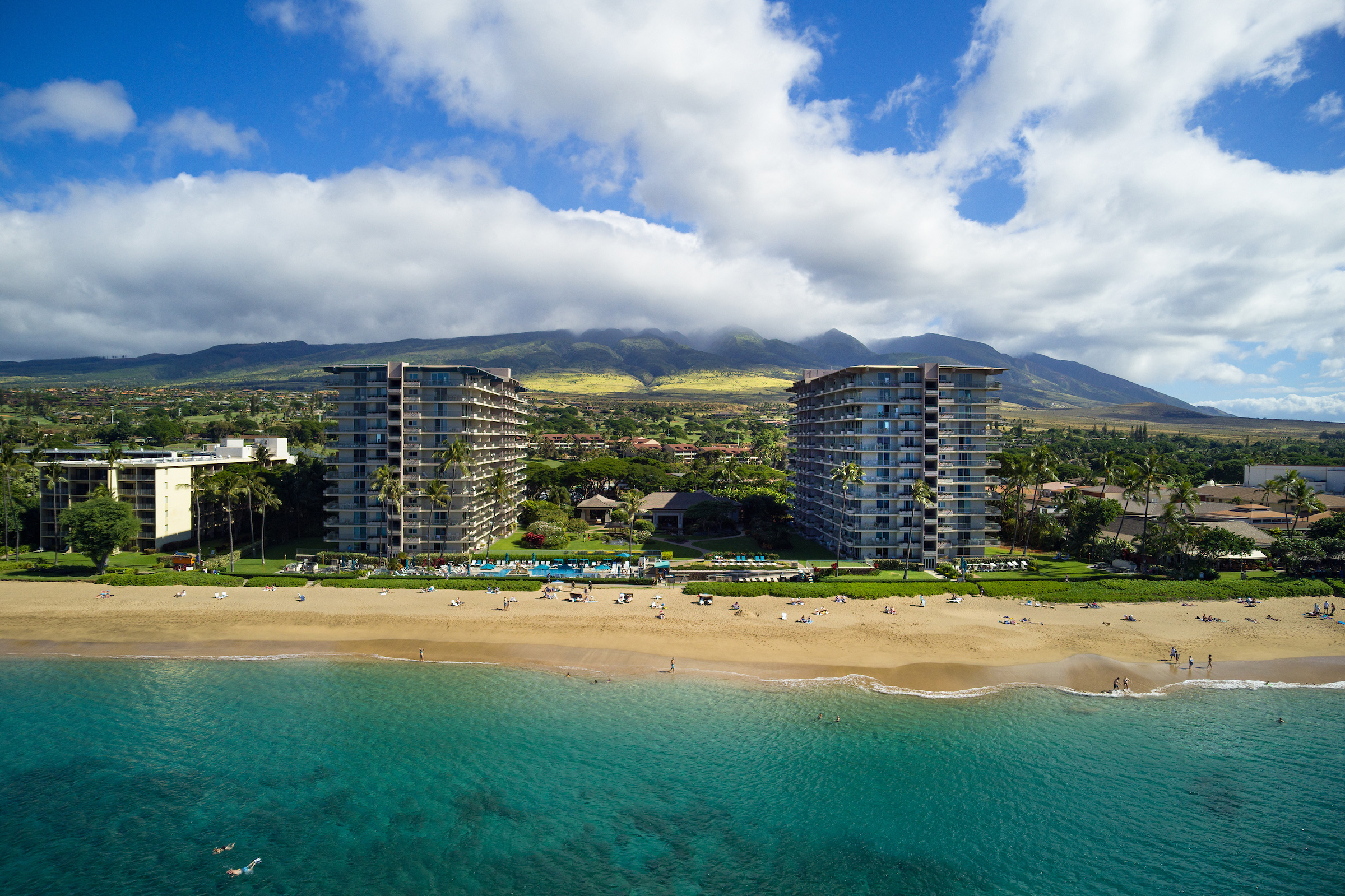The-Whalers-Kaanapali-Condos-07-Shore.jpg