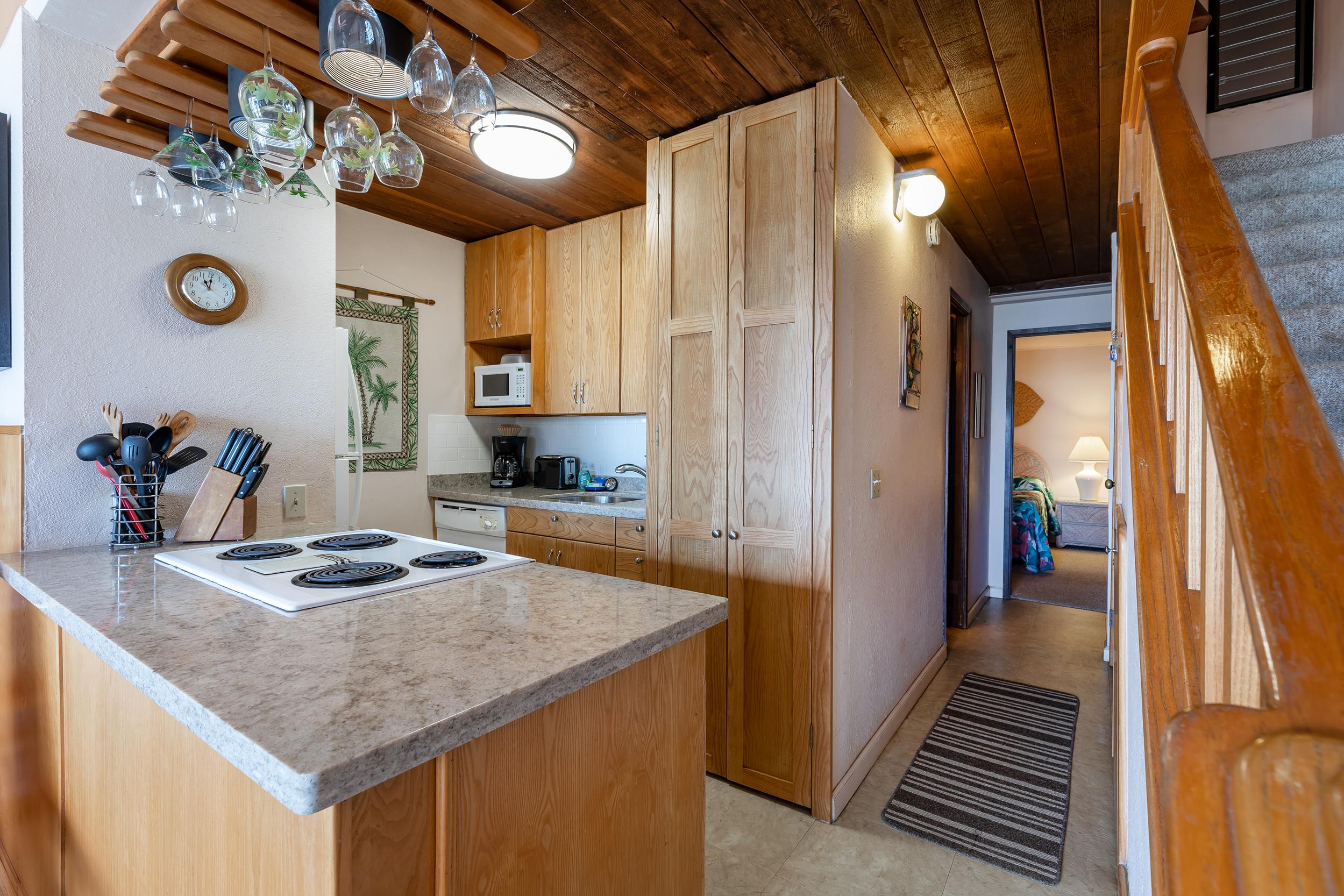maalaea-banyans-418-harbor-condo-rental-maui-6-kitchen.jpg