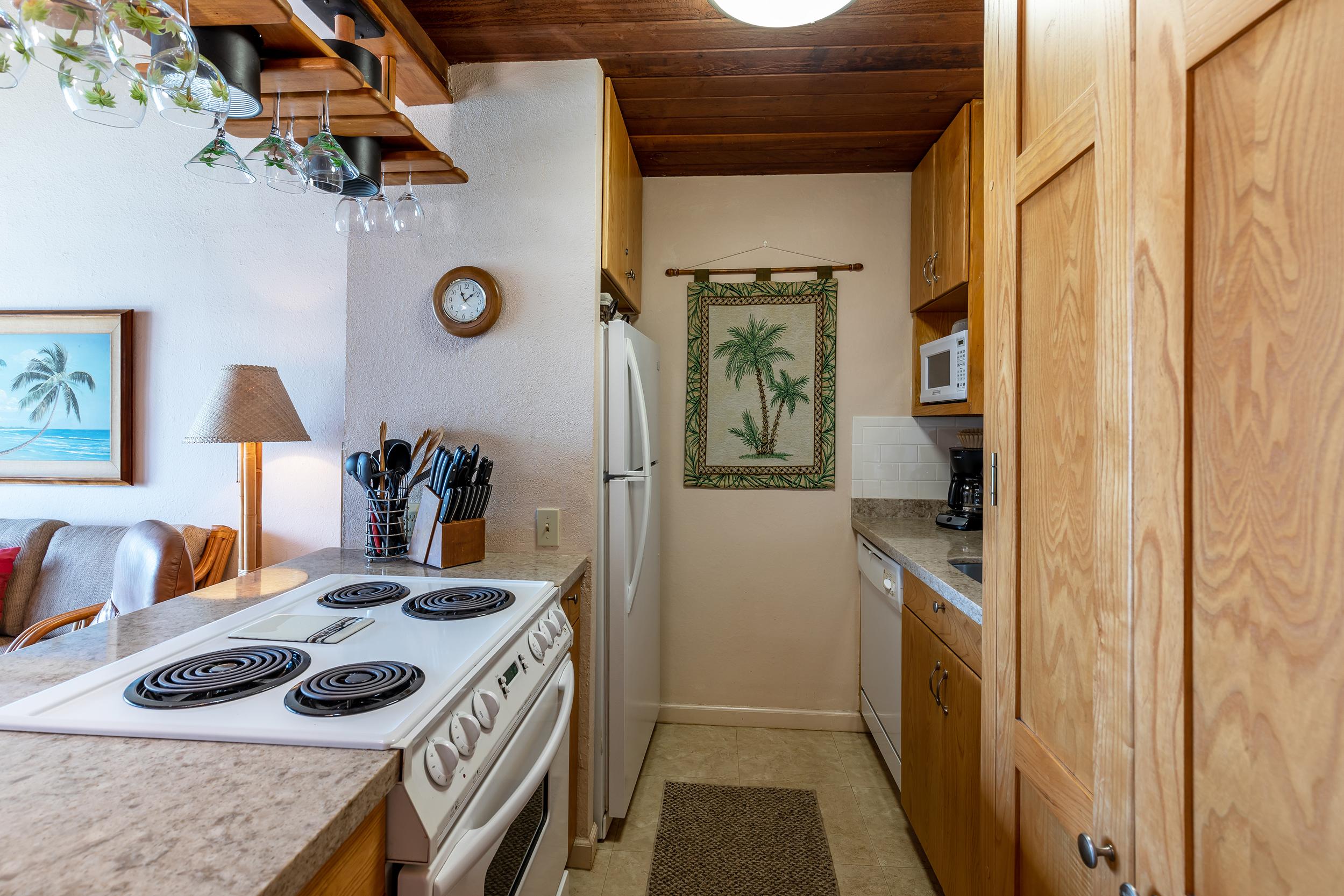 maalaea-banyans-418-harbor-condo-rental-maui-7-kitchen.jpg