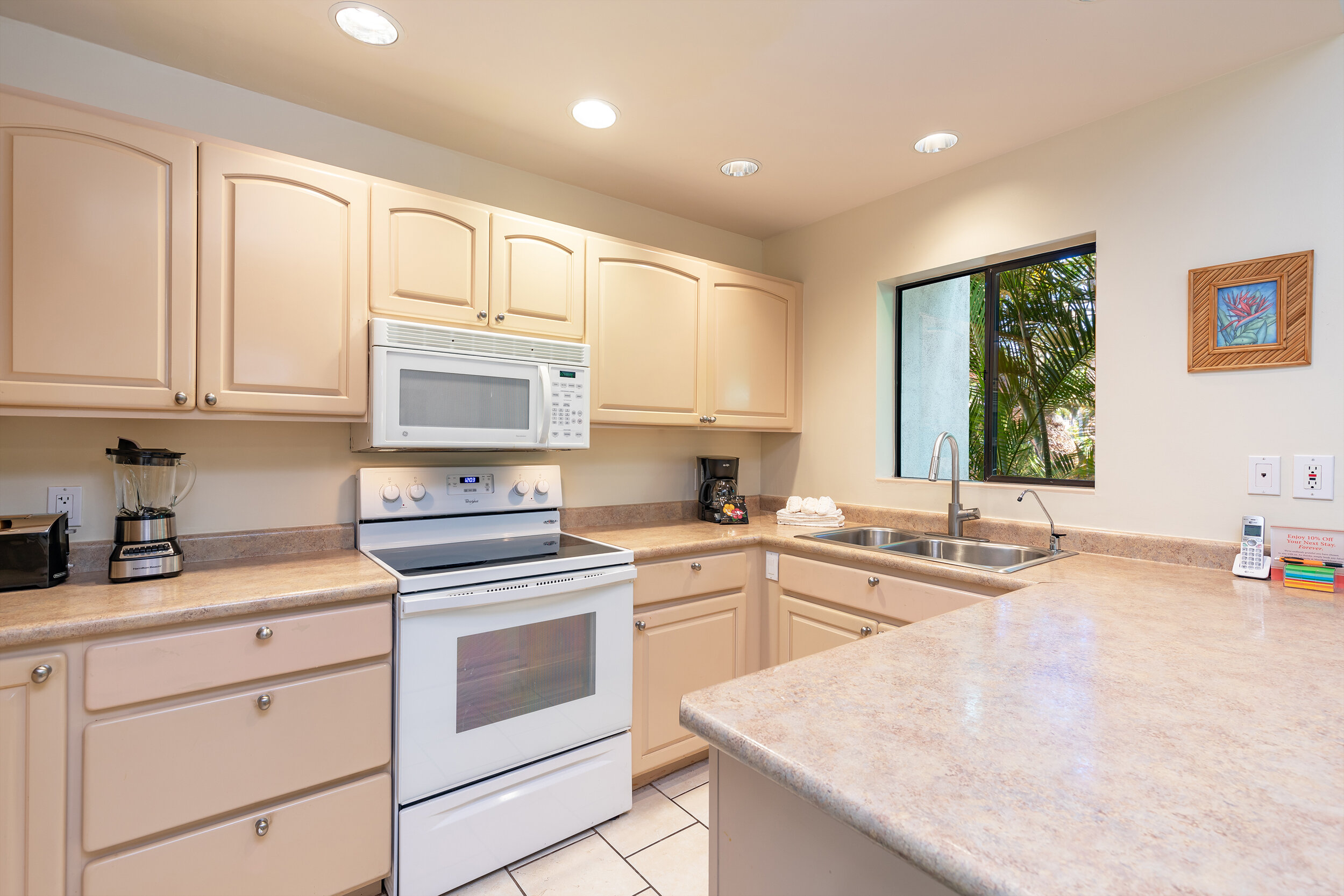 napili-gardens-maui-vacation-condos-ng1-06-kitchen.jpg