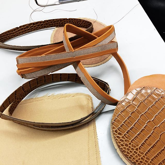 CIRCULAR is our fav shape.  We made 10 pieces with 3 different found leathers. Croc, Sahara and Latte. Reinvigorating manufacturing is the vibe! 🤙🏻 Shop now on @olivela