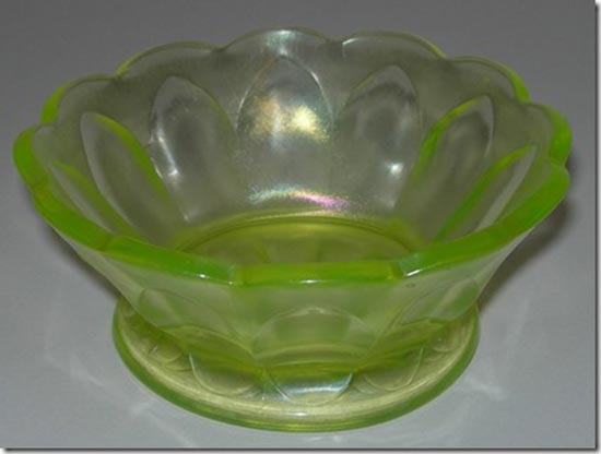 6. Nice topaz sauce with an arched design – maybe someone can help us with the pattern name?