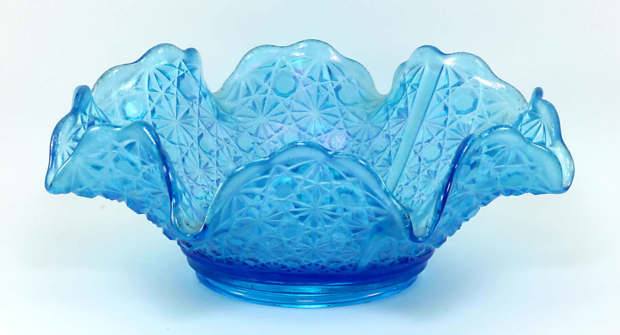 Fenton Late Period Celeste Blue Daisy & Button Crimped Bowl