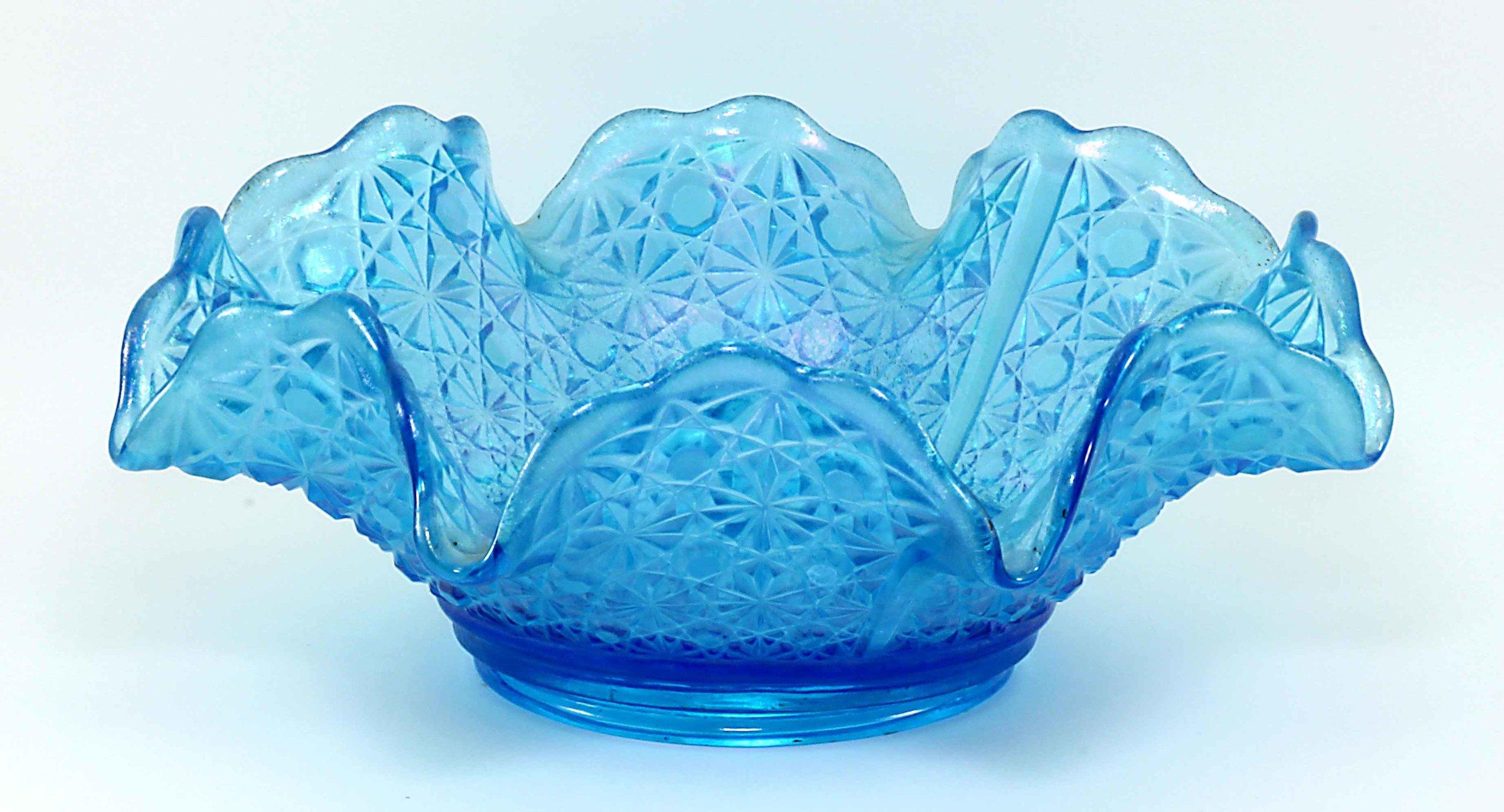 Fenton Late Period Celeste Blue Daisy & Button Crimped Bowl