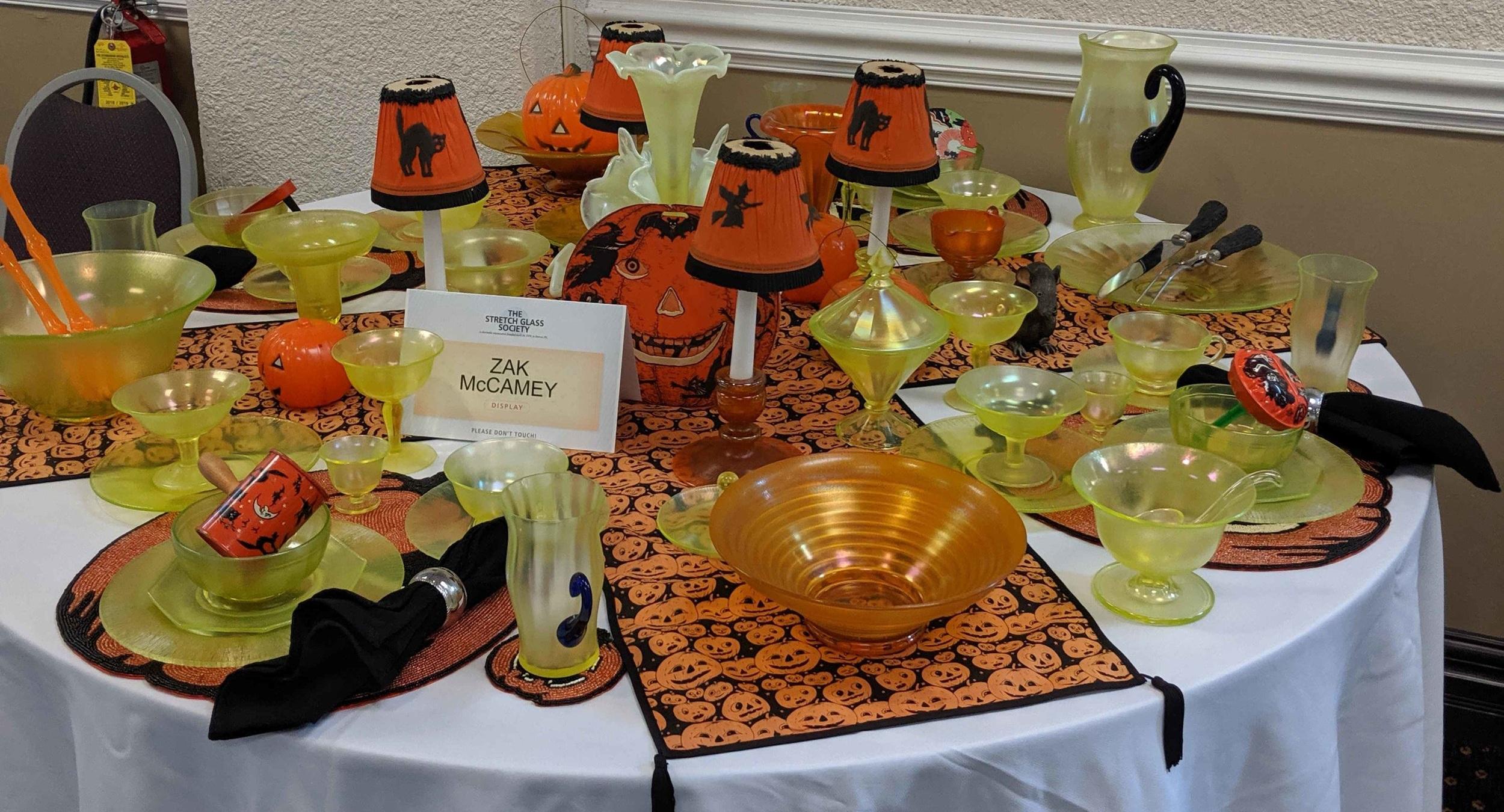Member display table