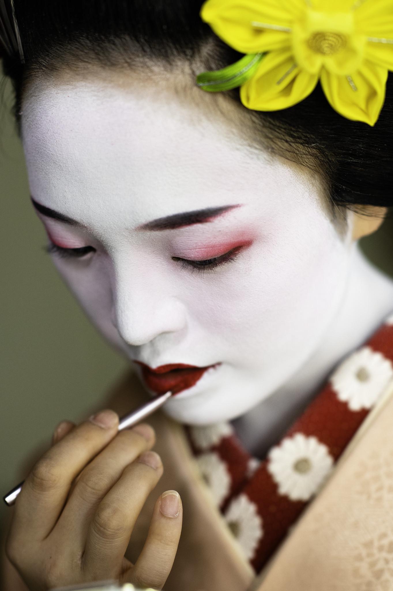 Red Lipstick - Maiko (Japan)
