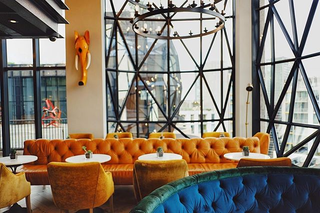 Epic interiors and epic cocktails are always a good combo for me 🙋🏻‍♀️ @thesilohotel_