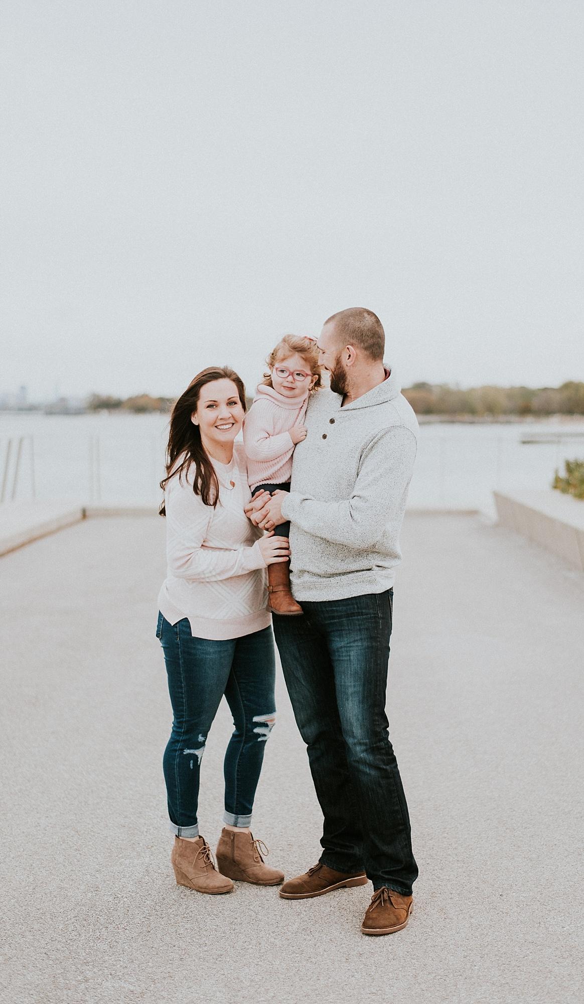 CHICAGO-MATERNITY-FAMILY-PHOTOGRAPHER-LISH-MARIE_0383.jpg