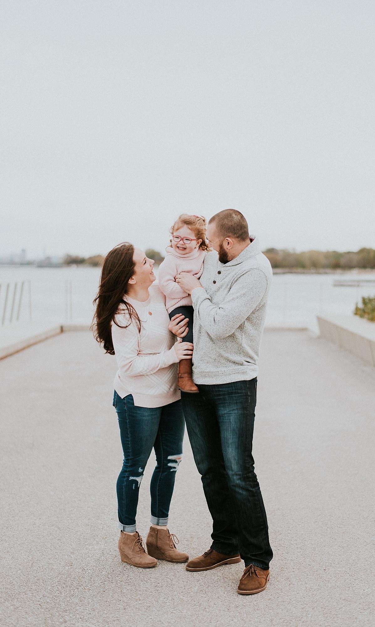 CHICAGO-MATERNITY-FAMILY-PHOTOGRAPHER-LISH-MARIE_0384.jpg