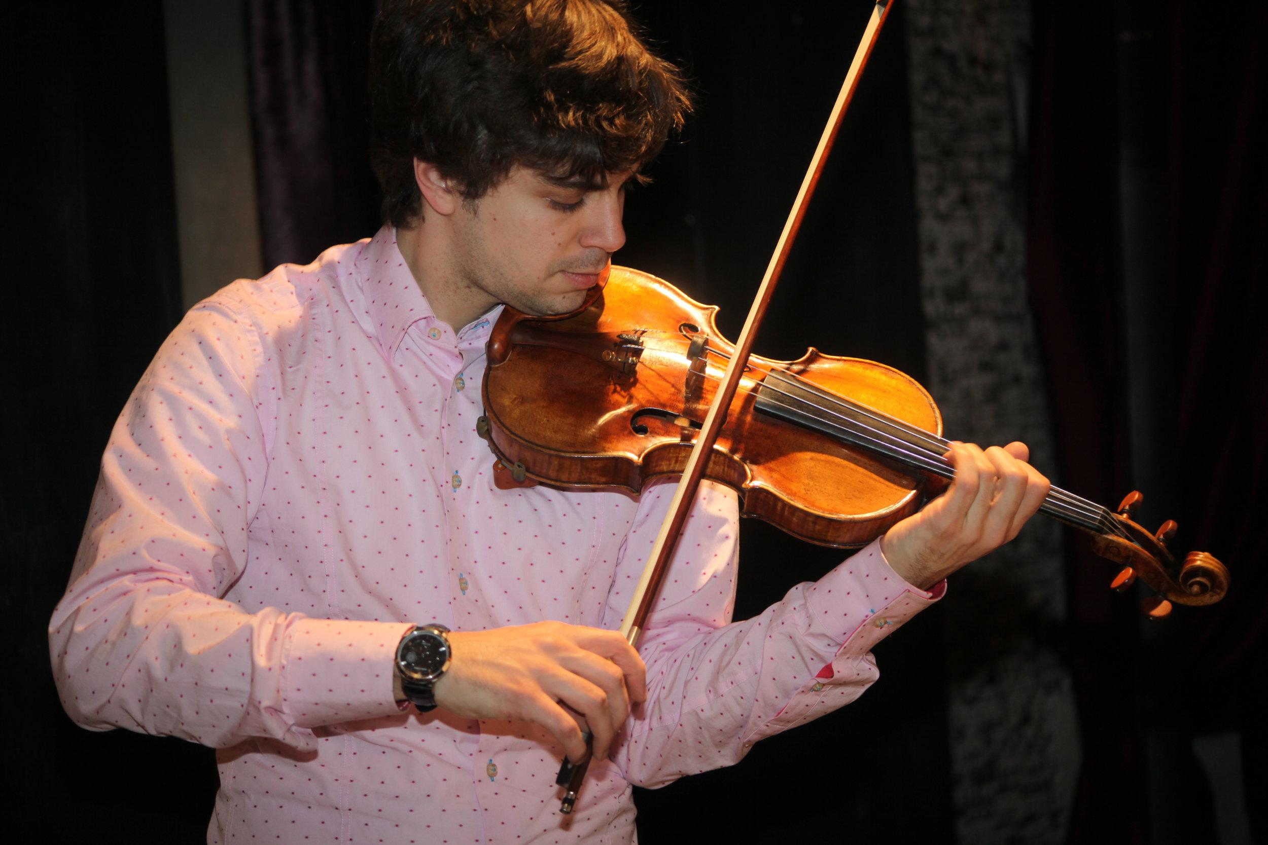 Ambroise_Playing_Violin.jpg