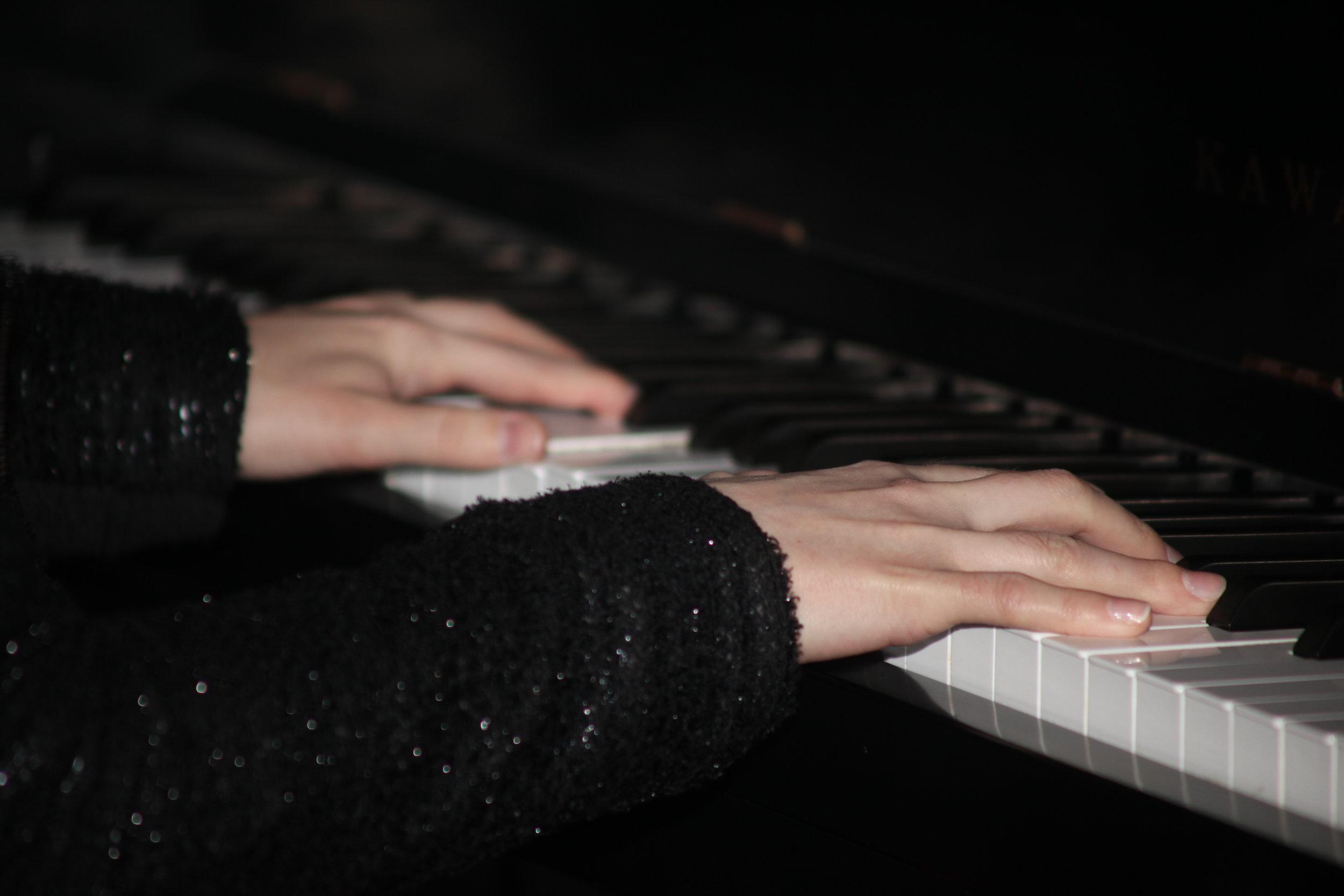 Piano_Hands_Jacquelyn_Five_Senses_Tastings.jpg