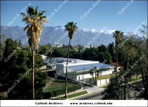 The world's first phytotron at Caltech.