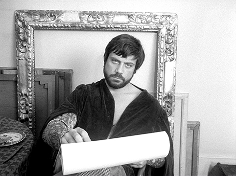 Dante's Inferno  Oliver Reed as Rossetti - framed within a frame while he composes.