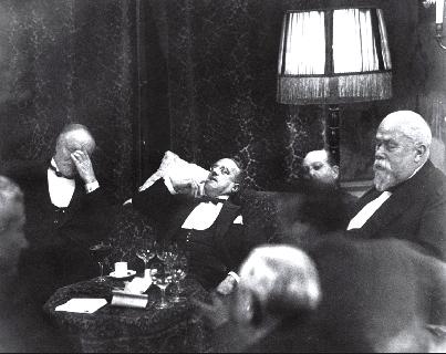 Conference at the Hague,  1928 Erich Salomon