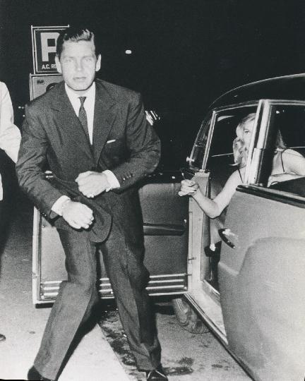 Tazio Secchiaroli,  Anthony Steel and Anita Ekberg,  1958